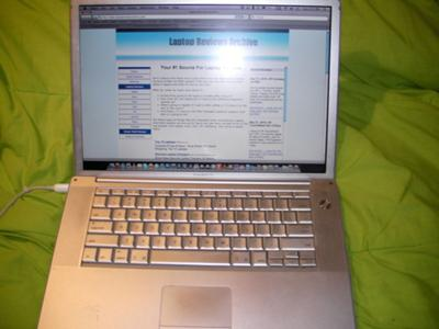 Apple 15 Aluminum PowerBook G4 screen