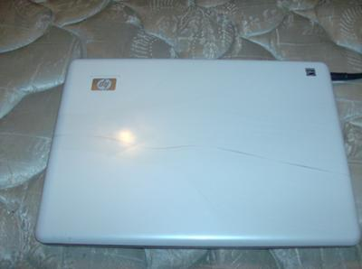 Back of the HP Pavilion dv4